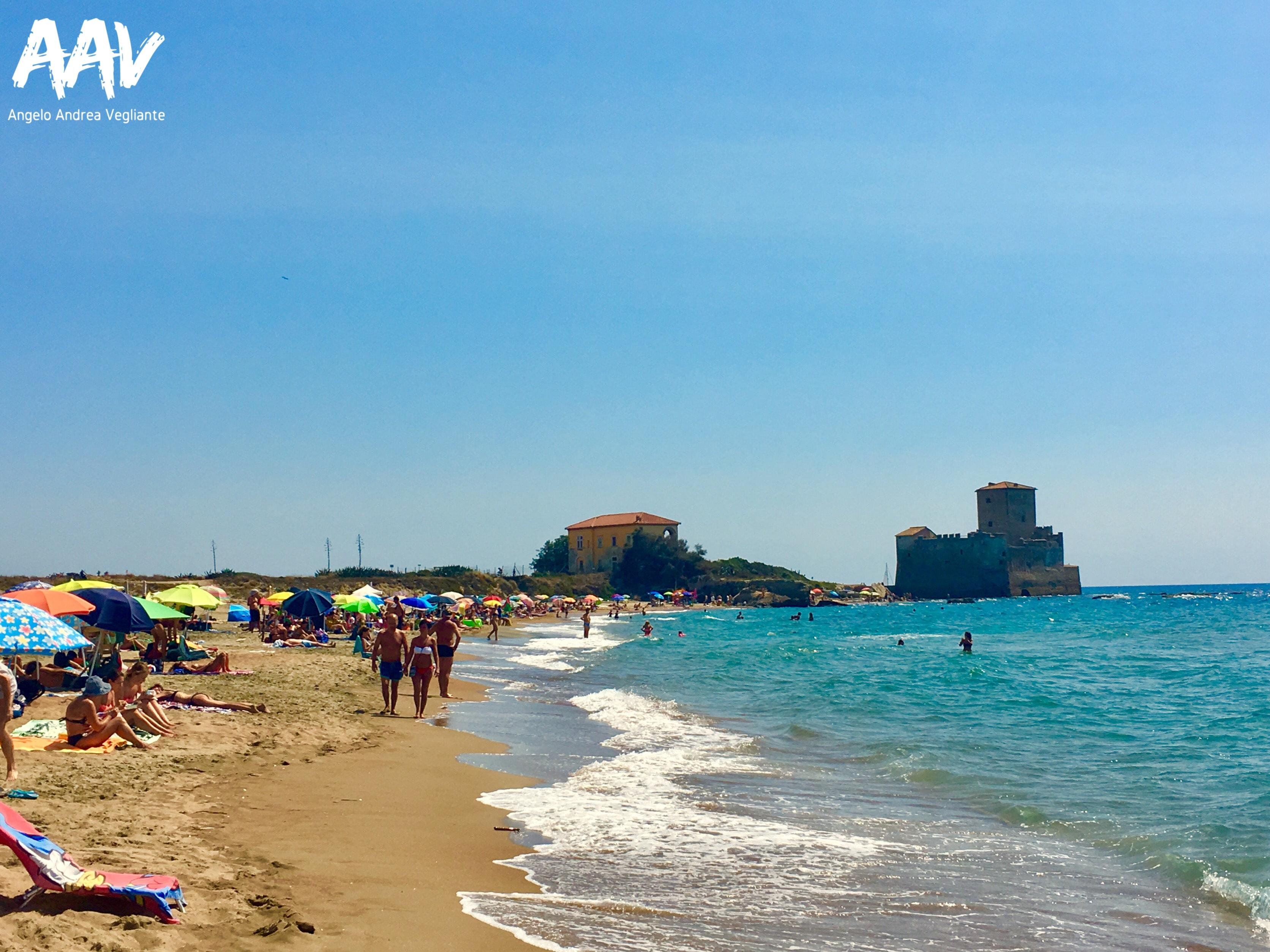 torre astura-spiaggia-estate-angelo andrea vegliante-colui che veglia-colui che viaggia