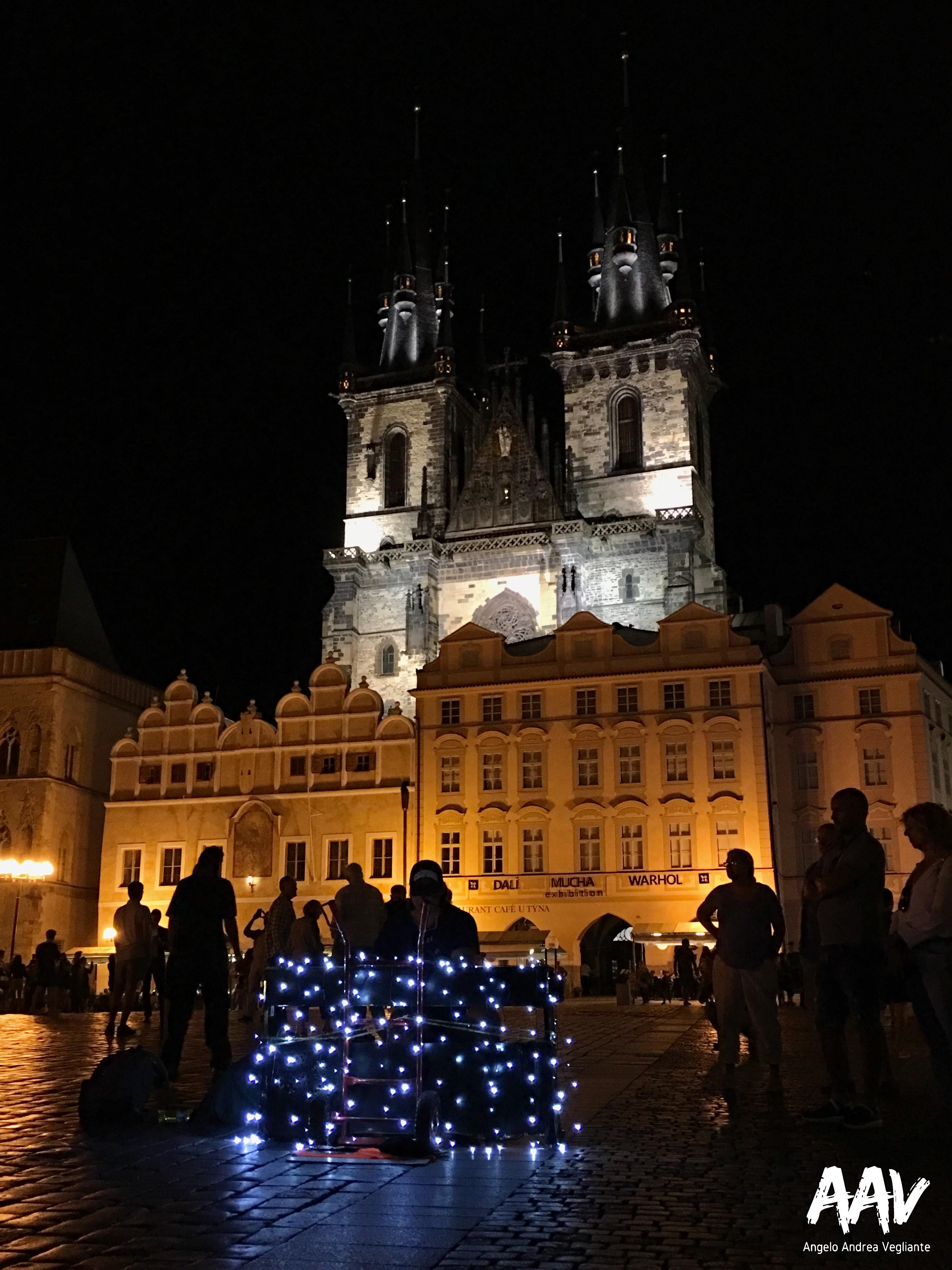 Praga-Europa-Repubblica Ceca-Angelo Andrea Vegliante-Colui che veglia-Viaggio-Libertà-musica