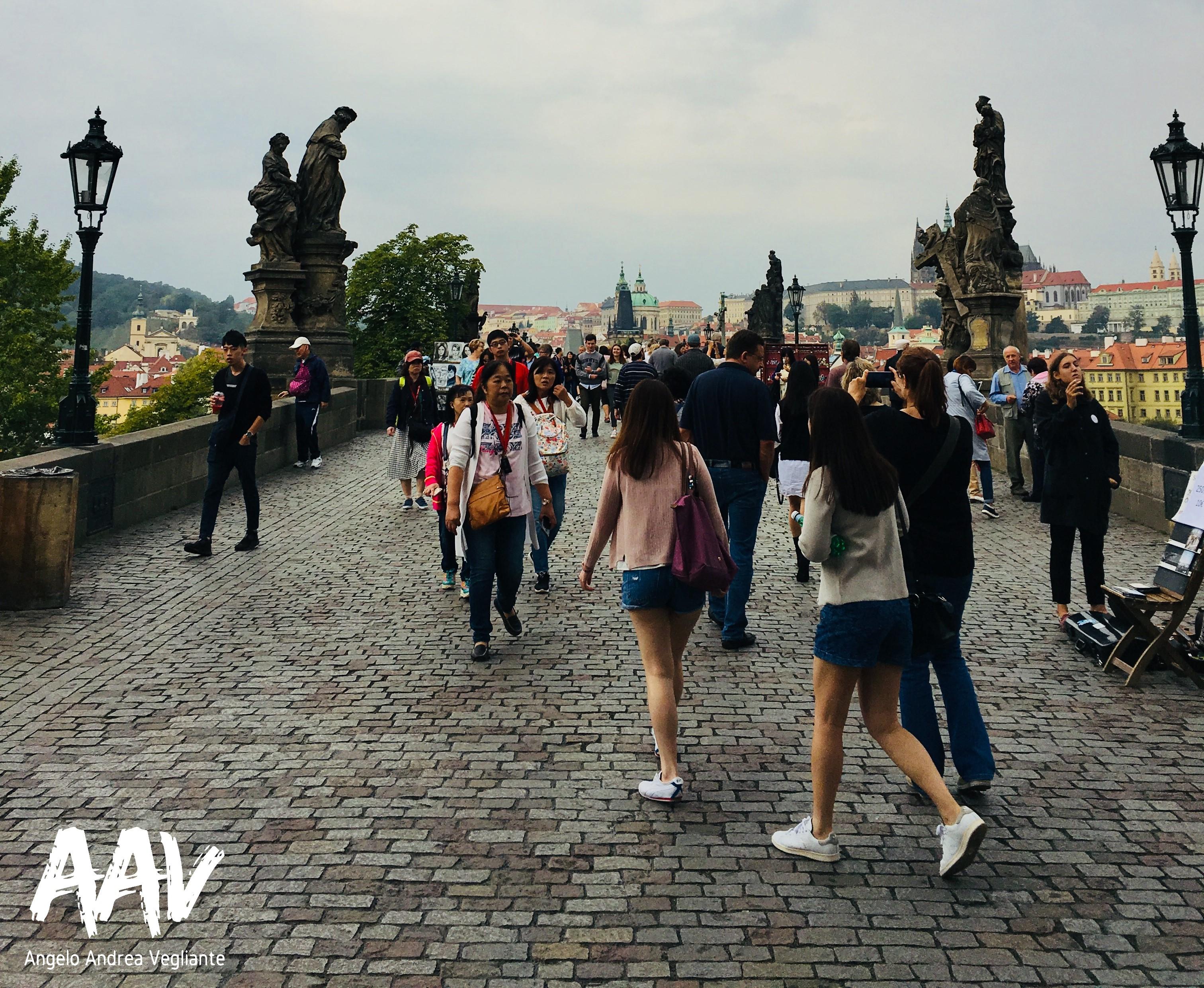 Ponte Carlo-Ponte degli innamorati-Praga-Europa-Viaggio-Angelo Andrea Vegliante-Colui che veglia-energia