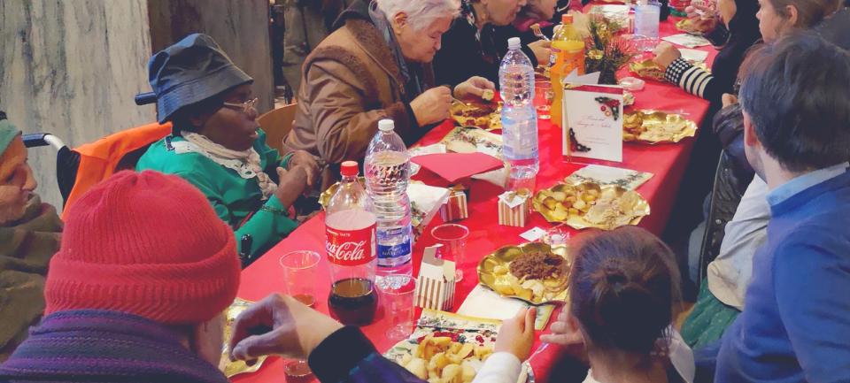 pranzo di natale-comunità di sant'egidio-comunità di sant'egidio ostia-ostia lido-angelo andrea vegliante-colui che veglia