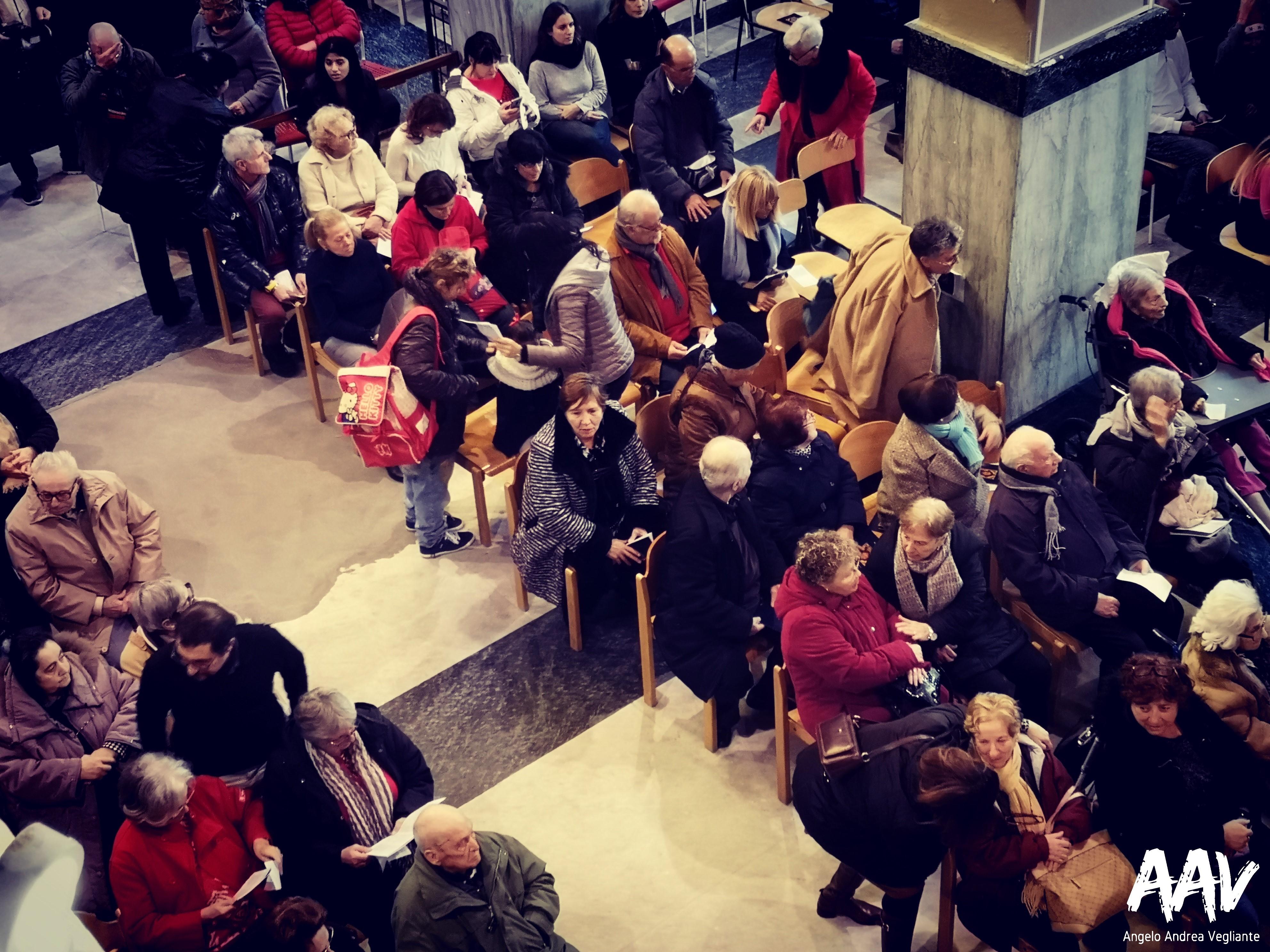 pranzo di natale-pranzo di natale comunità di sant'egidio ostia-ostia lido-comunità di sant'egidio ostia-pranzo di natale-angelo andrea vegliante-colui che veglia