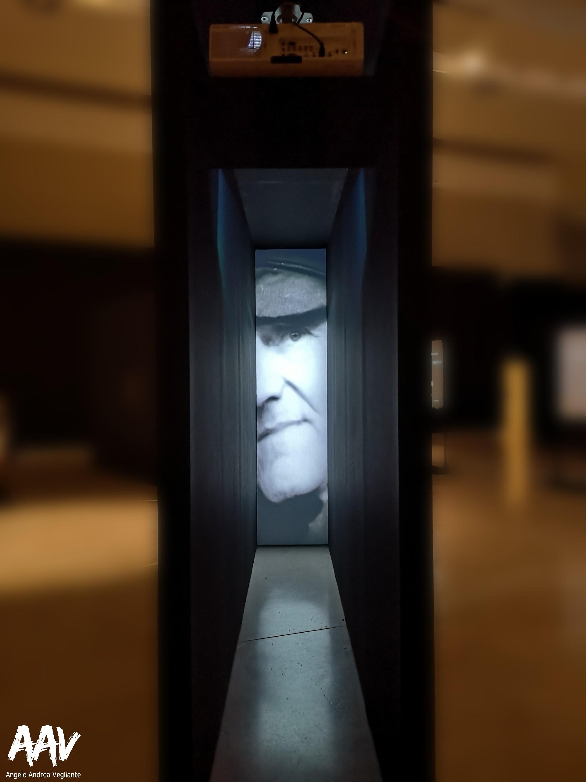 roma-palazzo delle esposizioni-roma palazzo delle esposizioni-testimoni dei testimoni-angelo andrea vegliante-mostra Auschwitz-Birkenau-Auschwitz-Birkenau-colui che veglia