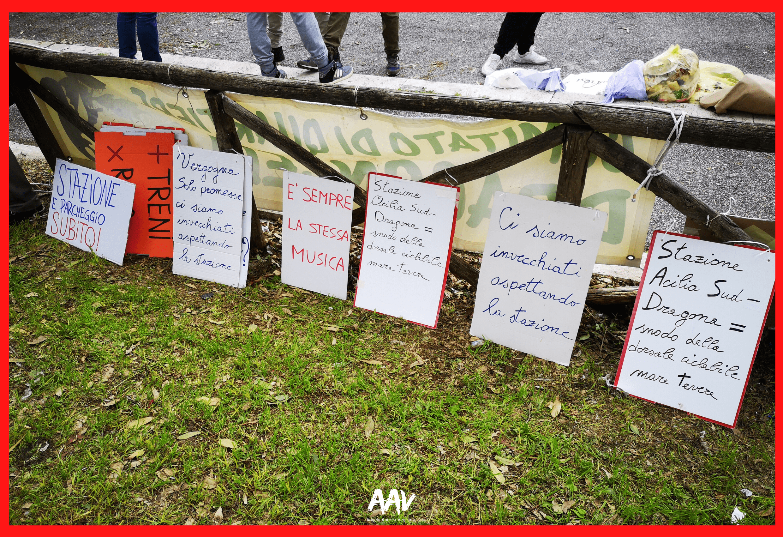cartelli manifestazione roma lido